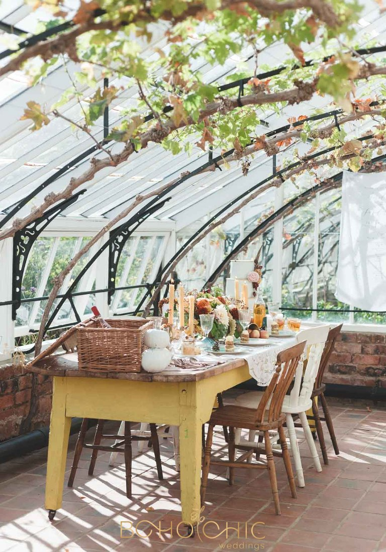 north yorkshire wedding photographer shows how to style w wedding table in autumn colours